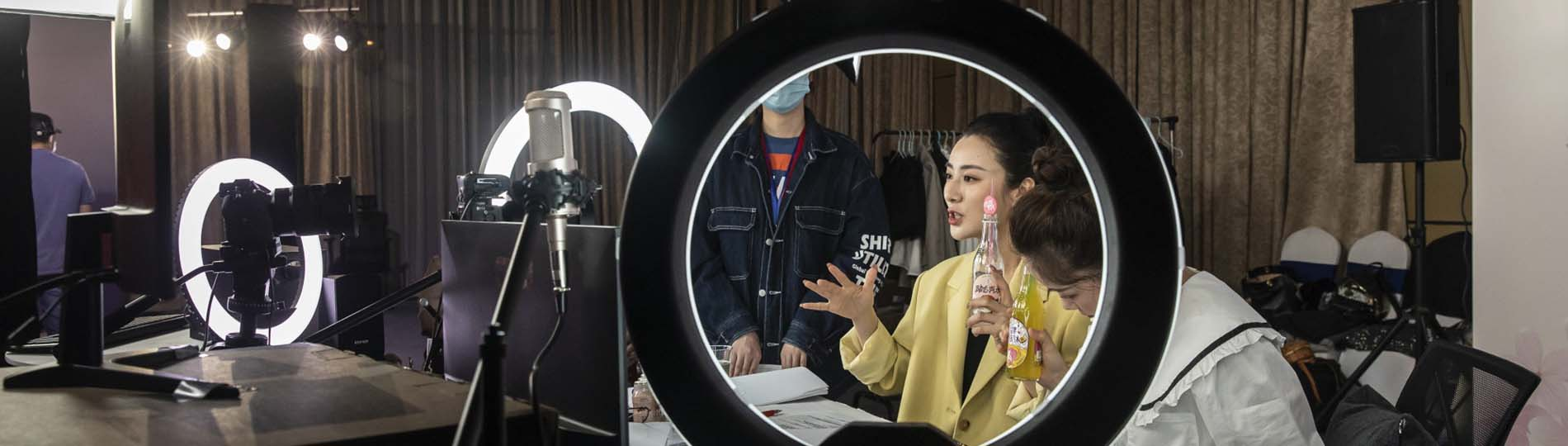 The world's livestream queen can sell anything